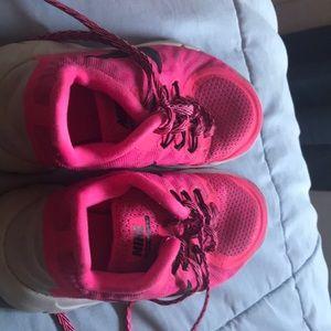 Girls shoes. Size 1. Nike